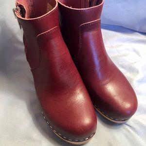 NEW Swedish Hasbeens Zip It Emy Boot